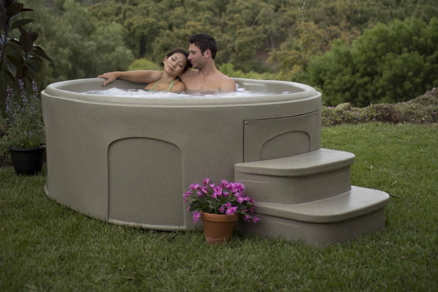 Hot tubs spas hot tub covers spa chemicals spa depot for Home hot tubs