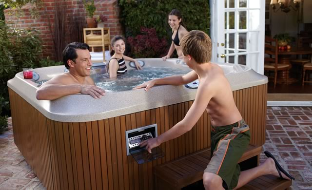 Hot Tub Wholesale Sizes