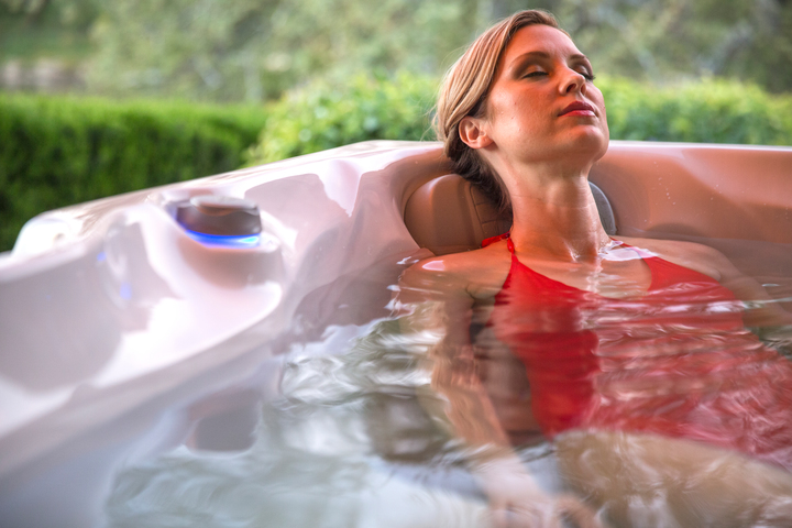 health benefits hot tub helps in batter sleep